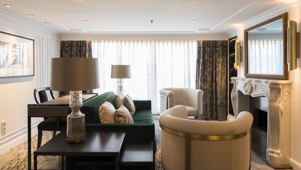 Crystal Mozart, Crystal Suite living room