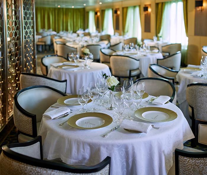 Seven Seas Mariner Chartreuse Restaurant