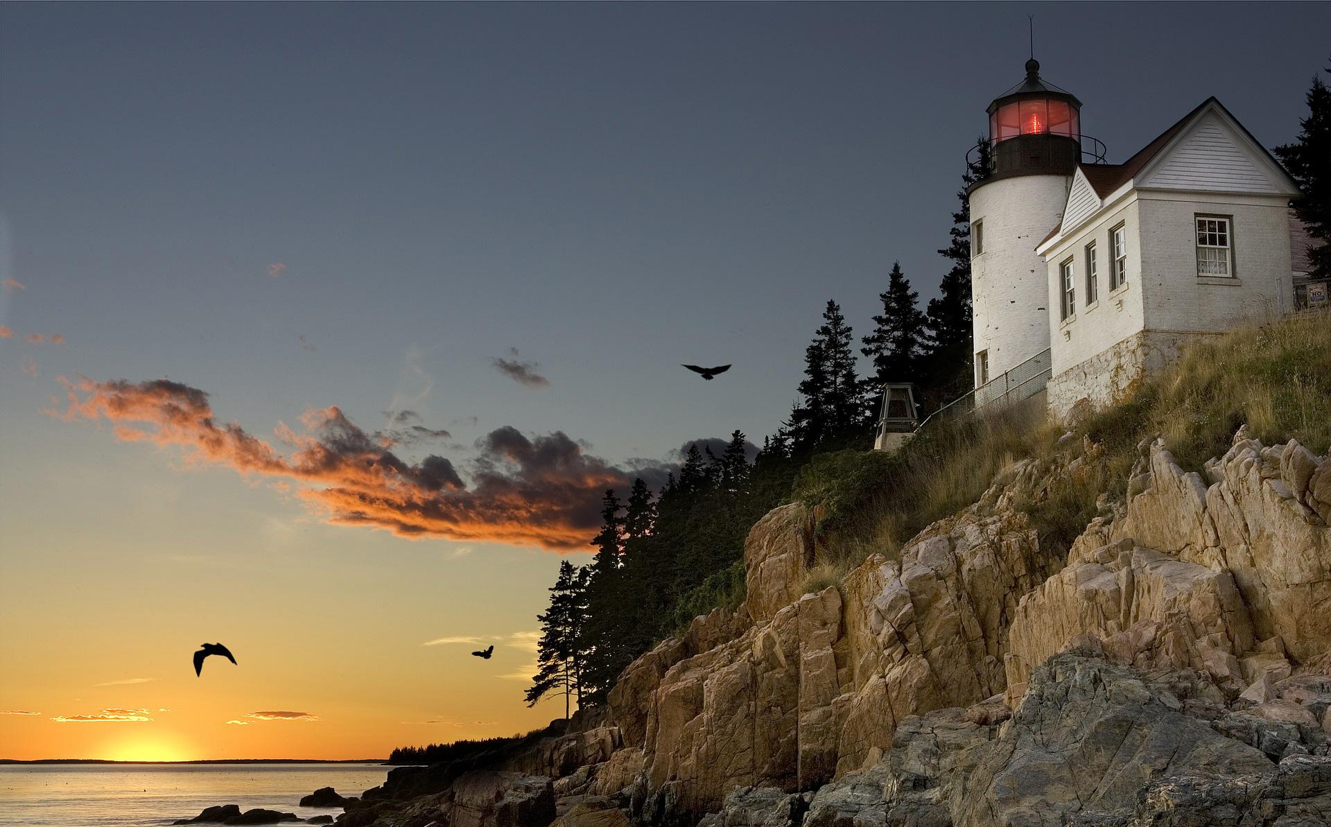 LIghthouse on the coast of Bar Harbor, Maine
